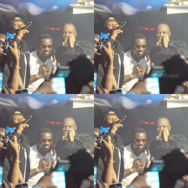 I Prayed For Days Like This – Sarkodie Says As He Poses With Legends