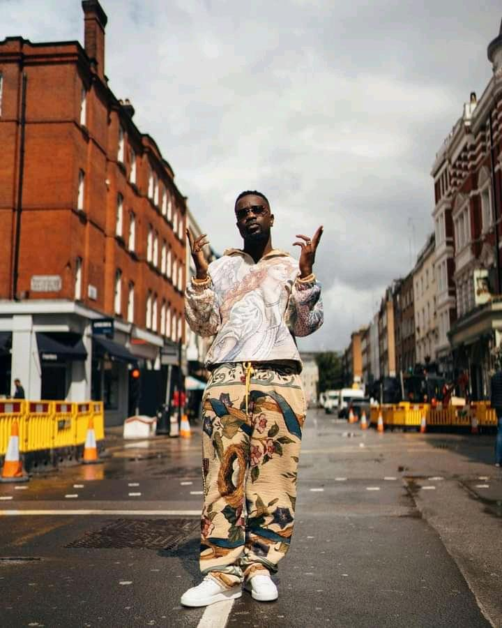 Sarkodie Signs With Sony Music UK