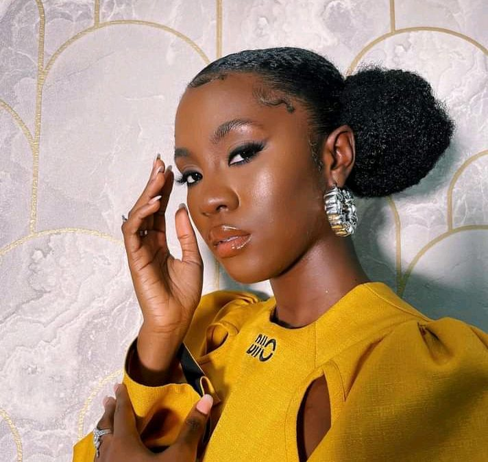 Don't Be Scared To Love Me – Beautiful Cina Soul Has A Back Thought